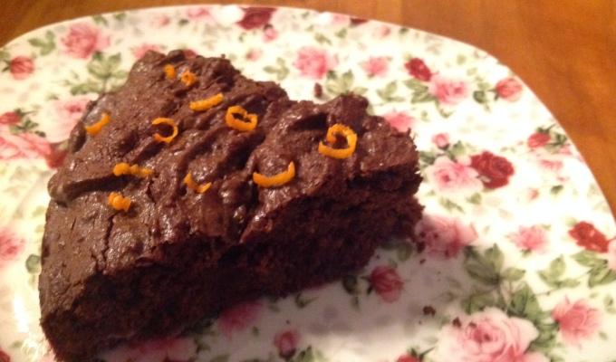 brandnetel-chocolade-cake of versterker verkleed ingenotsmiddel